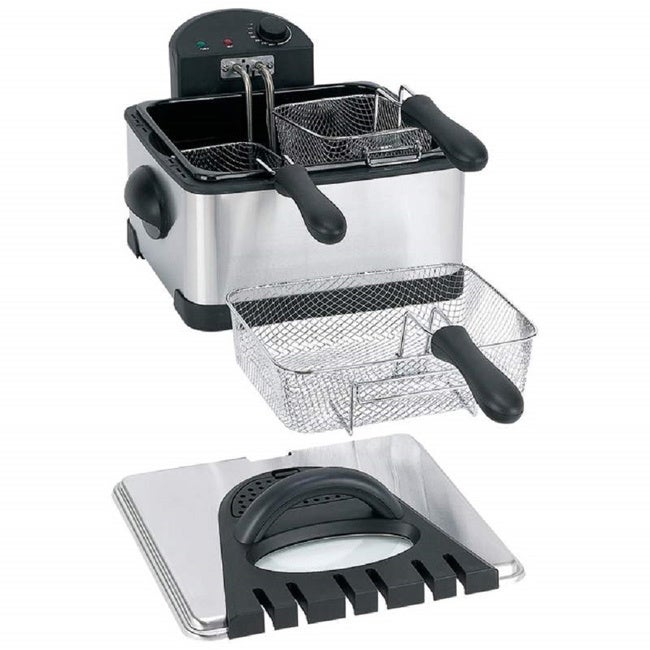 MAXAM 4 Quart Electric Deep Fryer (silver and black) (Metal)