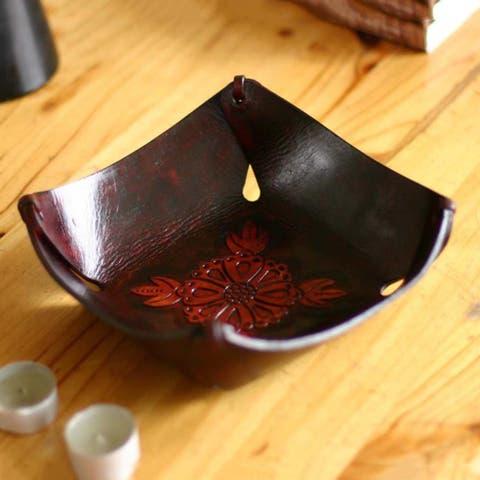 Handmade Leather 'Sunflower Magic' Centerpiece (Peru)