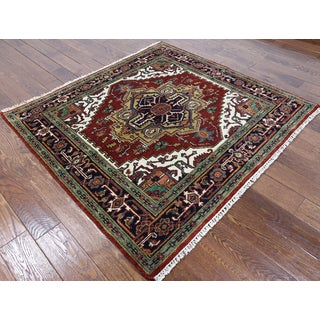 Hand-knotted Serapi Red and Ivory Wool Rug (5'1 x 5'3)