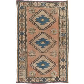 Ecarpetgallery Hand-knotted Antique Shiravan Beige Wool Rug (4'2 x 6'7)