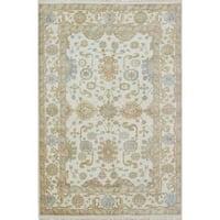 Ecarpetgallery Hand-knotted Royal Ushak Beige Wool Rug (5'9 x 8'8)