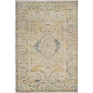 Ecarpetgallery Hand-knotted Royal Ushak Beige Wool Rug (6'1 x 8'10)