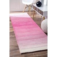 nuLOOM Handmade Ombre Pink Wool Runner Rug - 2'6 x 8'