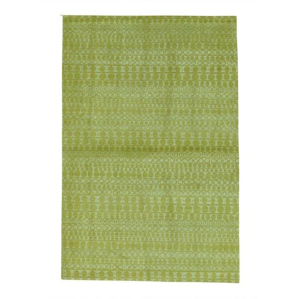 Modern Wool and Silk Tibetan Hand Knotted Oriental Rug - 4' x 6'