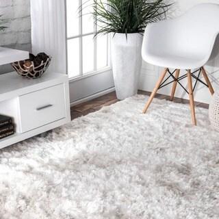 nuLOOM Handmade Soft and Plush Silken Solid Shag White Rug (4' x 6')