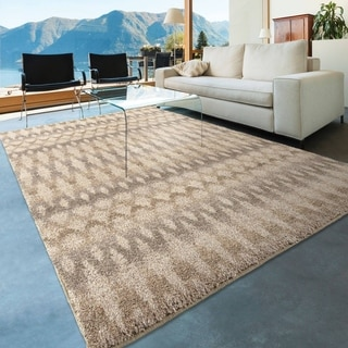 Carolina Weavers Comfy and Cozy Dignified Shag Collection Fused Ikat Ivory Shag Area Rug (7'10 x 10'10)
