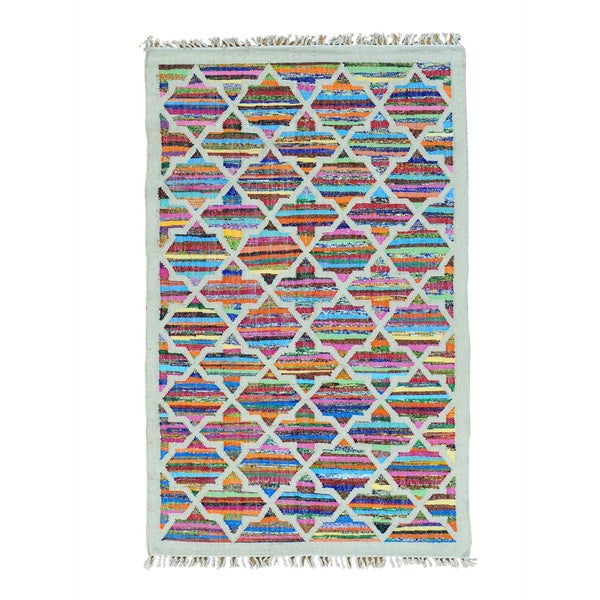 Hand Woven Geometric Design Kilim Cotton and Sari Silk Rug (4' x 6'4)