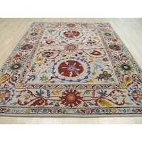 Hand-tufted Wool Ivory Transitional Floral Suzani Rug (7'9 x 9'9)