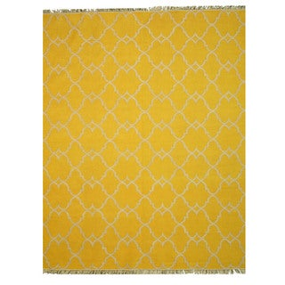 Handmade Polyester Yellow Transitional Trellis Reversible Moroccan Outdoor Rug (5' x 8')