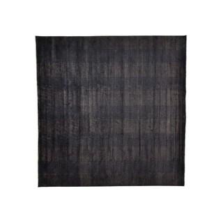 Square Tone on Tone Nepali Wool and Silk Oriental Rug (10'10 x 11')