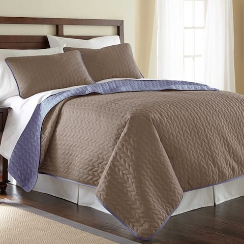Modern Threads Leaf Solid Reversible Quilted 3-Piece Coverlet Set