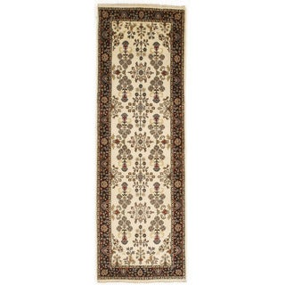 Hand-knotted with Saroukh Design Runner Rug (2' 6 x 7' 9)
