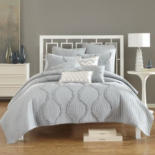 Nostalgia Home Hayden Quilt|https://ak1.ostkcdn.com/images/products/11702203/P18626058.jpg?impolicy=medium
