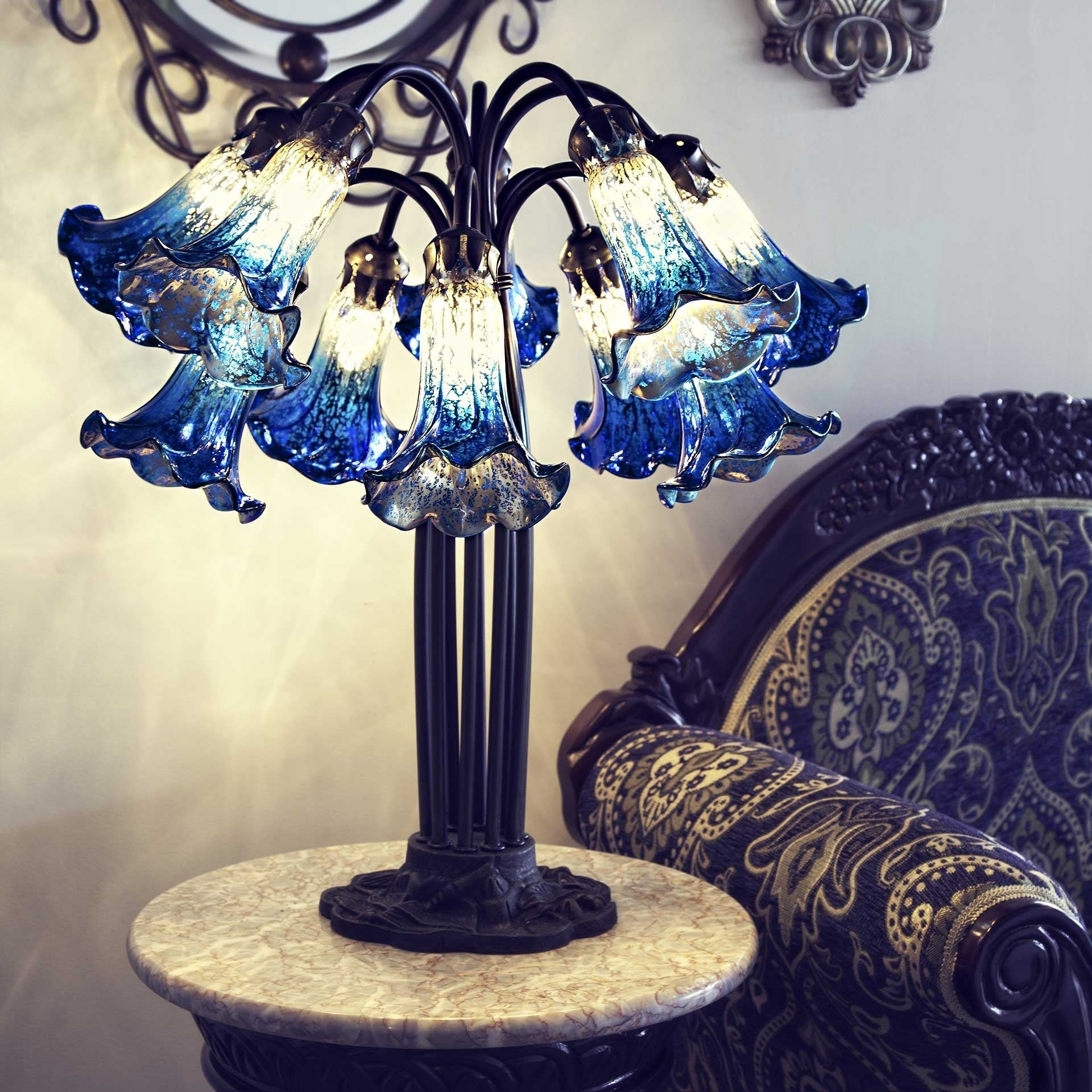 Gracewood Hollow Filloux 21-inch Dark Blue and Ivory Mercury Glass 10-Lily Downlight Table Lamp