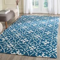 Safavieh Hand-Hooked Four Seasons Navy / Ivory Polyester Rug - 3' 6 x 5' 6