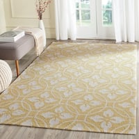 """Safavieh Hand-Hooked Four Seasons Gold/ Ivory Polyester Rug - 3'6"""" x 5'6"""""""