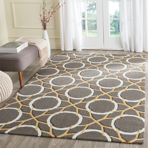 Safavieh Hand-Hooked Four Seasons Grey / Ivory Polyester Rug - 3' 6 x 5' 6