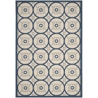 Safavieh Indoor/ Outdoor Courtyard Beige/ Navy Rug (6' 7 x 9' 6)