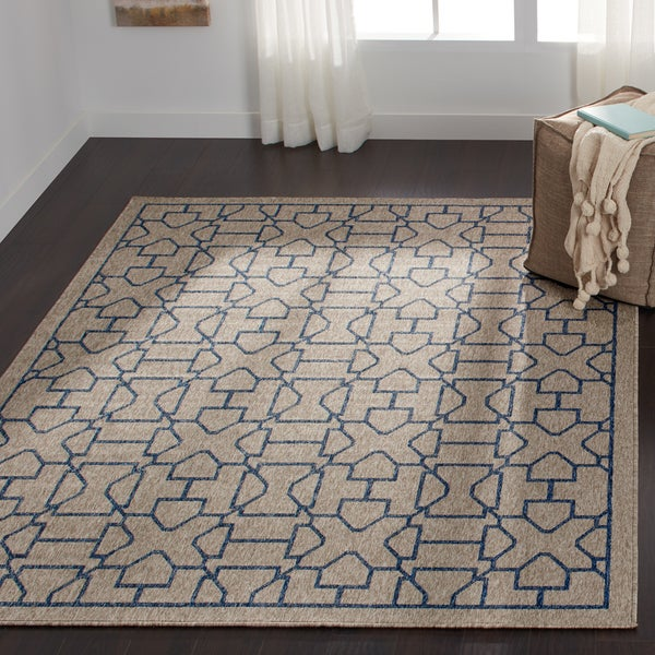 "Indoor/ Outdoor Grey/ Blue Trellis Patio Rug - 9'2"" x 12'1"""