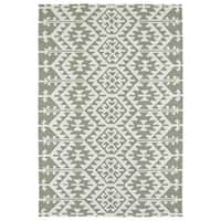 Seaside Taupe Global Indoor/Outdoor Rug - 5' x 7'6""