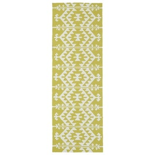 Seaside Wasabi Global Indoor/Outdoor Rug (2'6 x 8')