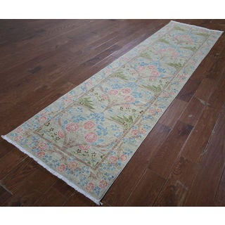 Hand-knotted Morris Oriental White Wool Rug (2' 7 x 9' 9)