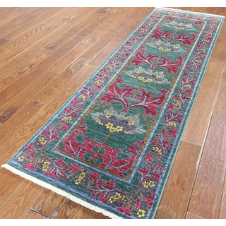 Hand-knotted Oriental Morris Green Wool Runner (2' 7 x 7' 10)