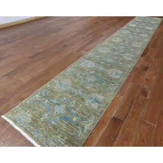 Hand-knotted Oriental Green Wool Runner (2' 8 x 16' 3)