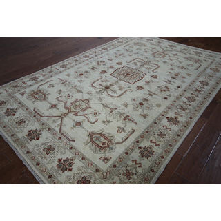 Hand-knotted Oushak White Wool Rug (6' 2 x 9' 4)
