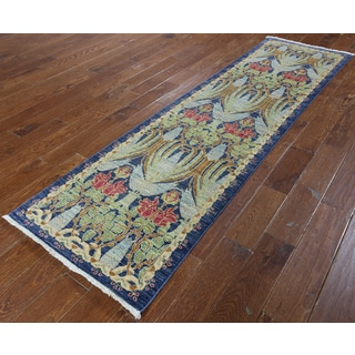 Hand-knotted Morris Blue Wool Rug (2' 5 x 8' 5)