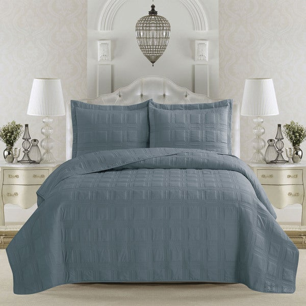 Terra Collection Embroidered 3-piece Quilt Set