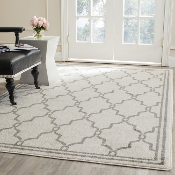 Safavieh Indoor/ Outdoor Amherst Ivory/ Grey Rug - 10' x 14'