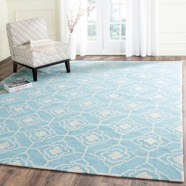Safavieh Hand-Hooked Four Seasons Light Blue/ Ivory Polyester Rug - 8' x 10'