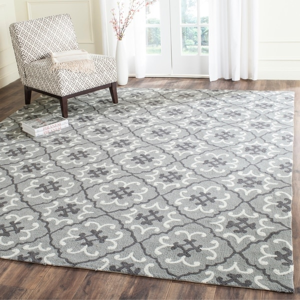 Safavieh Hand-Hooked Four Seasons Grey / Ivory Polyester Rug - 8' x 10'
