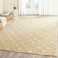 Safavieh Hand-Hooked Four Seasons Gold/ Ivory Polyester Rug - 8' x 10'