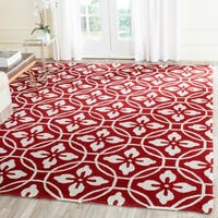 Safavieh Hand-Hooked Four Seasons Red/ Ivory Polyester Rug - 8' x 10'