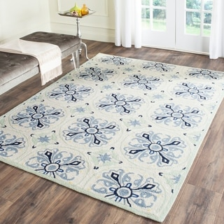 Safavieh Hand-Hooked Four Seasons Ivory / Blue Rug (8' x 10')