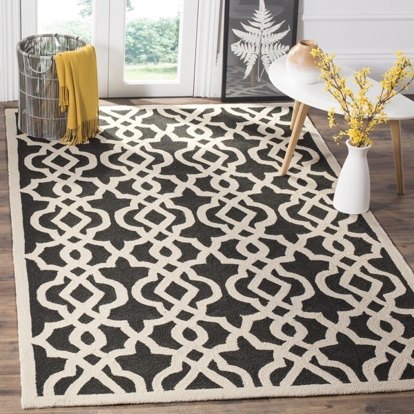 Safavieh Hand-Hooked Four Seasons Anthracite/ Ivory Polyester Rug - 8' x 10'