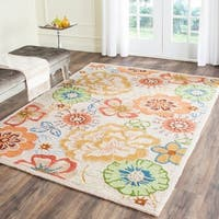 Safavieh Hand-Hooked Four Seasons Beige/ Red Polyester Rug - 8' x 10'