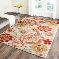 Safavieh Hand-Hooked Four Seasons Ivory / Red Polyester Rug - 8' x 10'