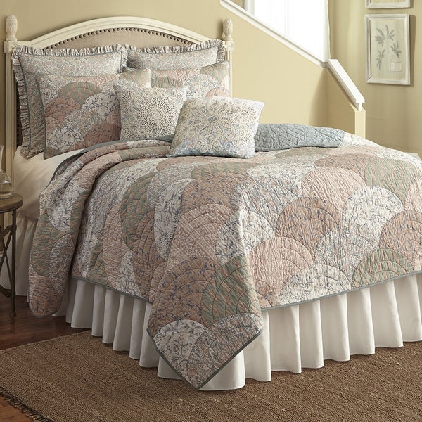 Nostalgia Home French Chain Quilt