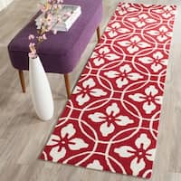 "Safavieh Hand-Hooked Four Seasons Red/ Ivory Polyester Rug - 2'3"" x 8'"