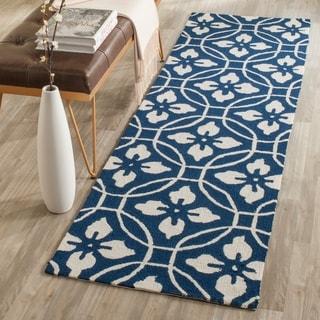 Safavieh Hand-Hooked Indoor/ Outdoor Four Seasons Navy/ Ivory Rug (2' 3 x 8')