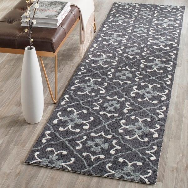 Safavieh Hand-Hooked Four Seasons Dark Grey / Ivory Polyester Rug - 2' 3 x 8'