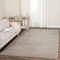 Safavieh Carnegie Vintage Light Beige/ Cream Distressed Rug - 4' x 6'