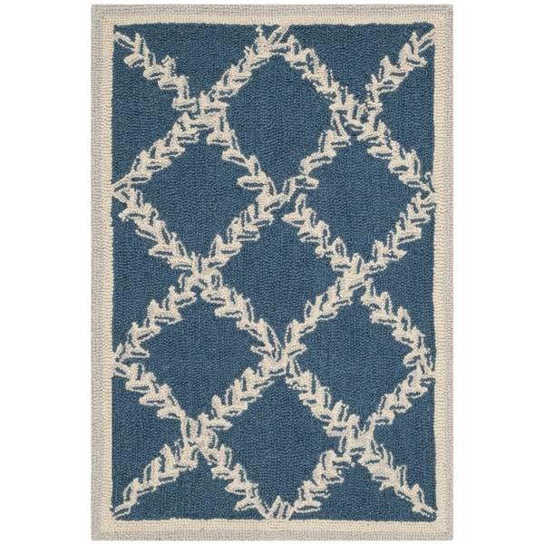 Safavieh Hand-Hooked Chelsea Navy/ Cream Wool Rug - 2' 9 x 4' 9
