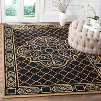 Safavieh Hand-hooked Easy to Care Black/ Gold Rug (6' x 9')