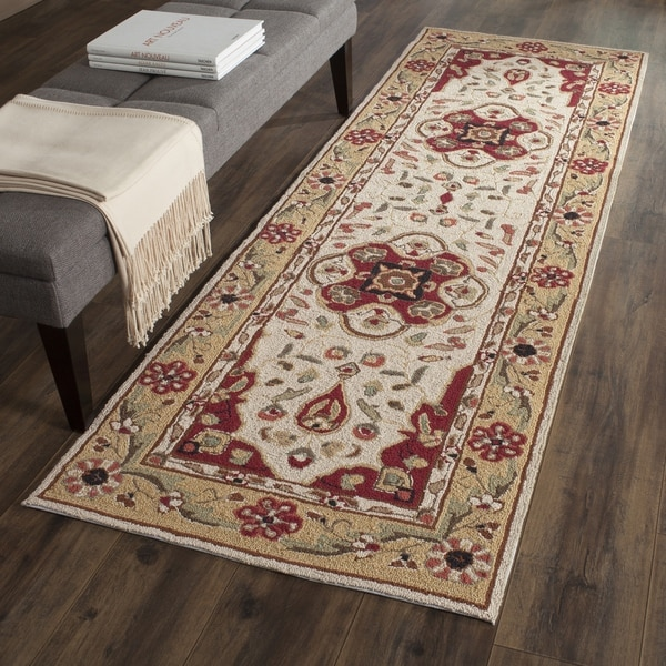 Safavieh Hand-hooked Easy to Care Cream/ Red Rug - 2' 6 x 10'