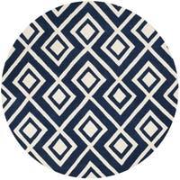 Safavieh Handmade Chatham Dark Blue/ Ivory Wool Rug - 7' Round