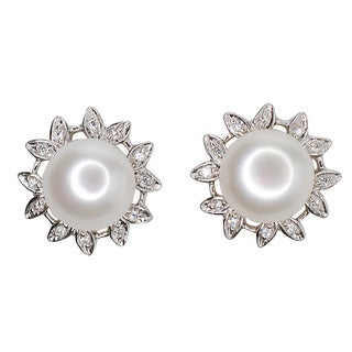 Kabella Sterling Silver Freshwater Pearl Flower Stud Earrings (10 mm)